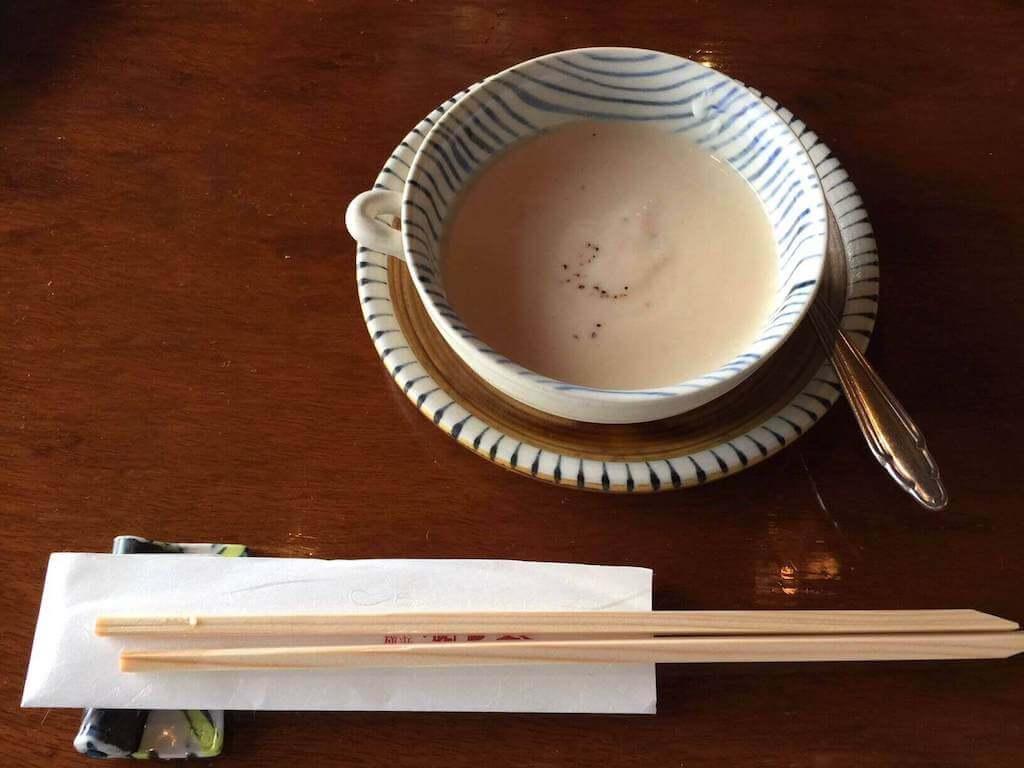 椎茸風味のポタージュ