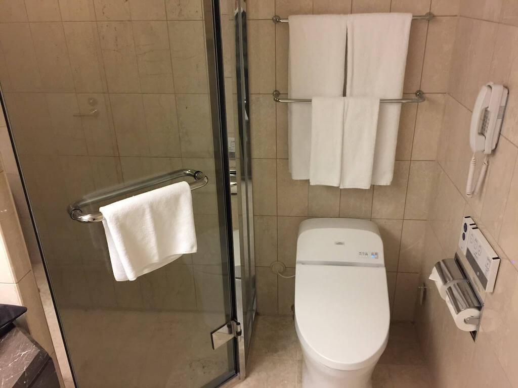 インターコンチネンタル横浜の部屋のトイレ・シャワー室