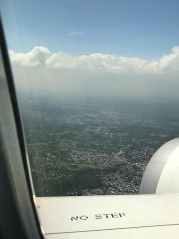 フィリピンから日本に帰る飛行機